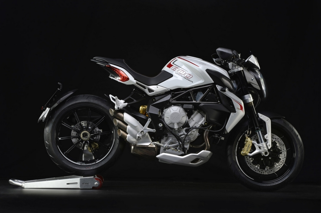 mv-agusta-dragster-800rr-photos-leak-show-luxurious-trims_5