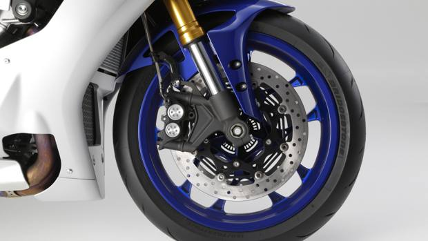 2015_YAM_YZF1000R1_EU_MS1RB_DET_007_mediagallery-article