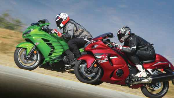 146-1206-01-z+comparison-test+kawasaki-ZX14R-and-suzuki-hayabusa