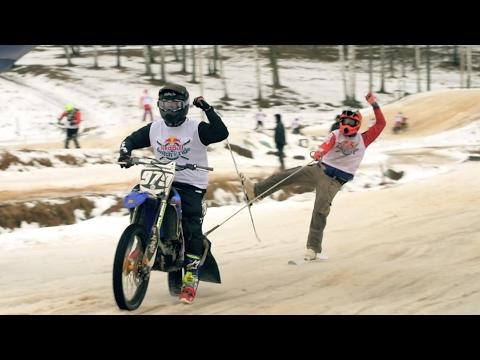 雪でもバイクに乗りたい! スキーとバイクのコラボレース笑