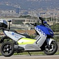 bmw-delivers-first-electric-maxi-scooters-to-barcelona-police-sales-go-up_1