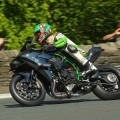 Kawasaki+H2R+hits+206+mph+at+Isle+of+Man