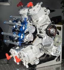 2ストレーサー エンジン