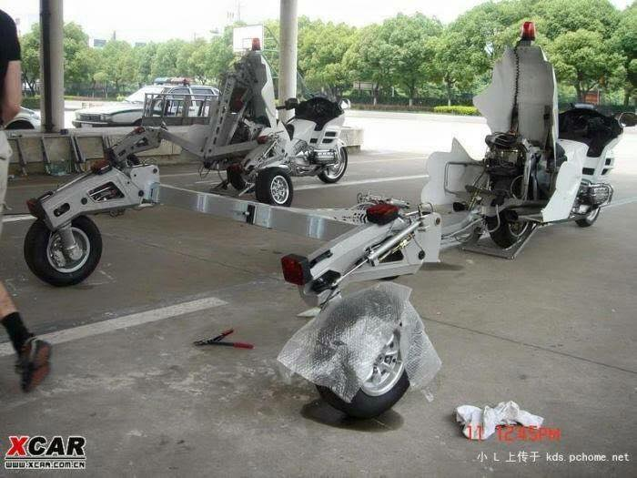 honda-gold-wing-used-as-a-tow-truck-is-an-epic-sight_2