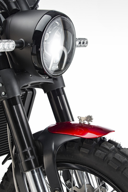 Benelli-Leoncino-Scrambler-LED-headlamp