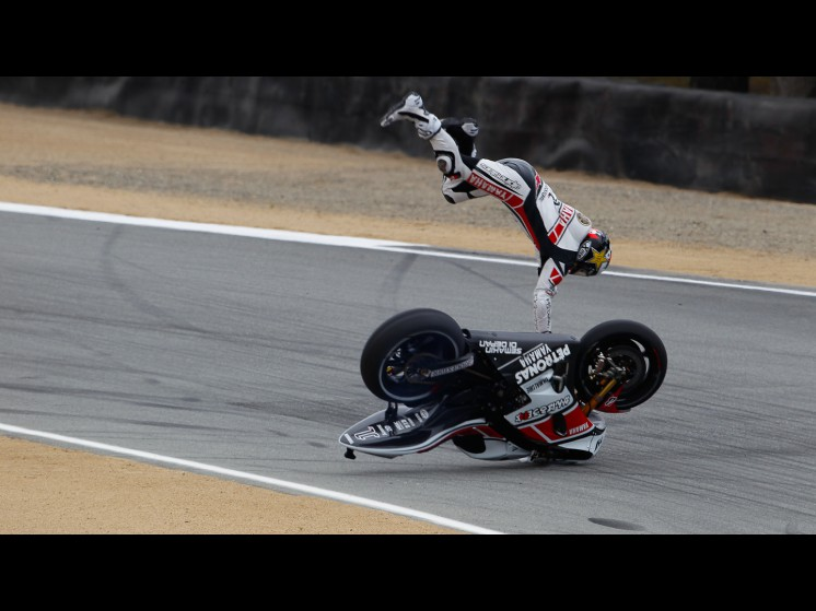 lorenzo_crash_usa_fp311_slideshow
