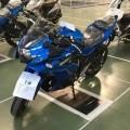 Suzuk-GSX-R300-001
