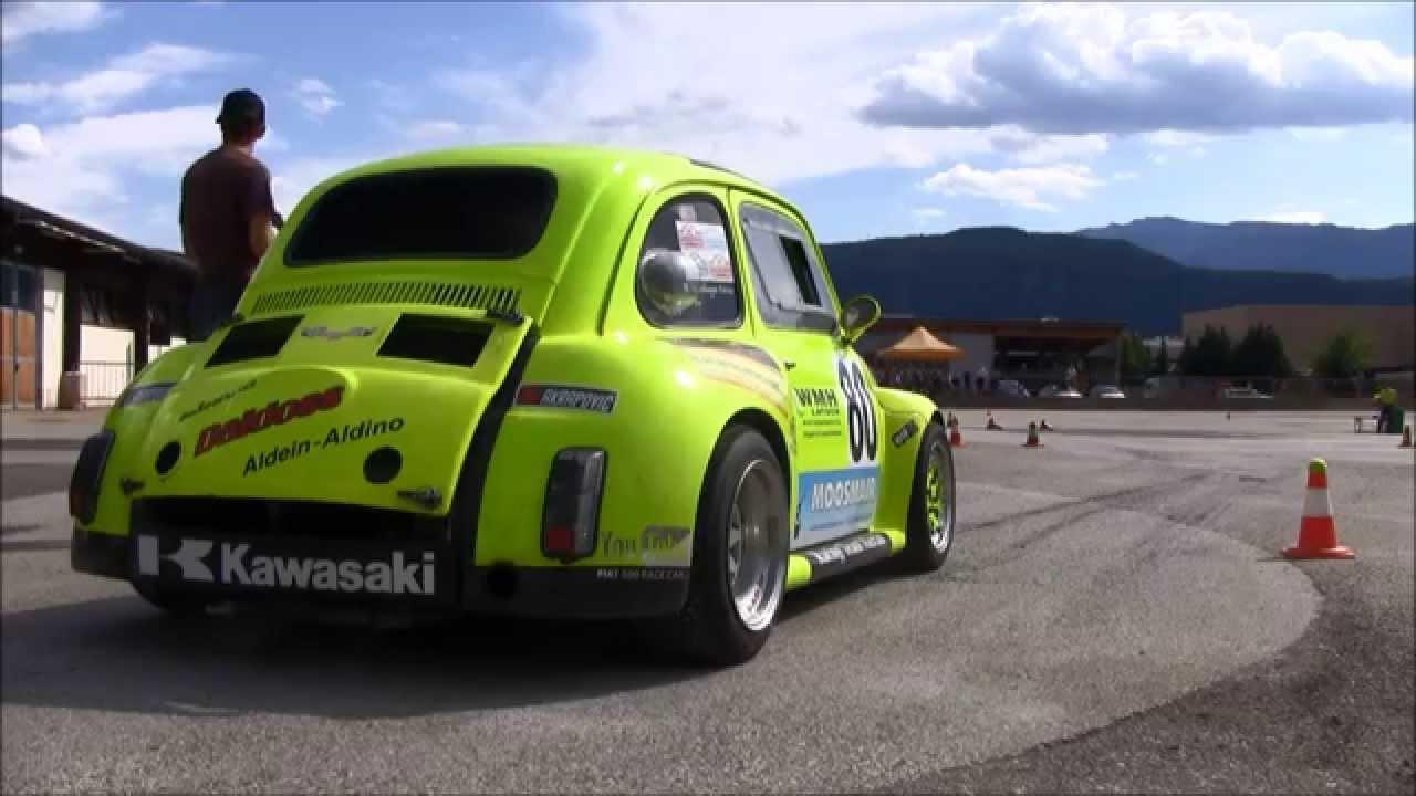 おもしろ映像!FIAT500 に ZX12R のエンジンを積むとこーなる。