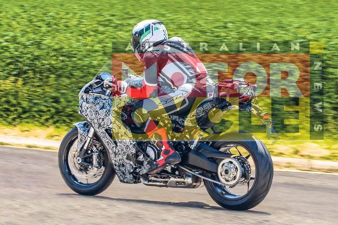 Ducati-939-SuperSport-001-1