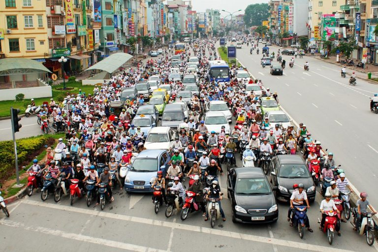 ベトナム ハノイ政府が2025年都市部バイク乗り入れ禁止を検討中!
