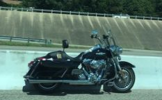 motorcycle-drops-rider-goes-solo-in-highway-trip-111512-7