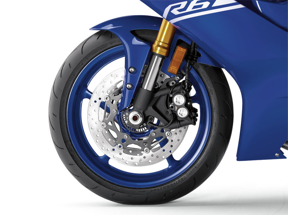 17yzf-r6_team_yamaha_blue_feature_01-1_cmyk