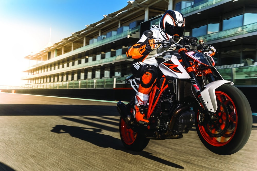 2017-ktm-super-duke-1290r-new-superduke-5