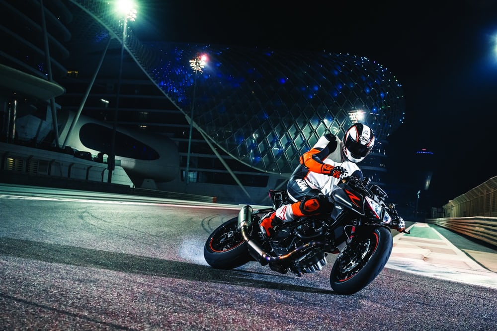 2017-ktm-super-duke-1290r-new-superduke-8