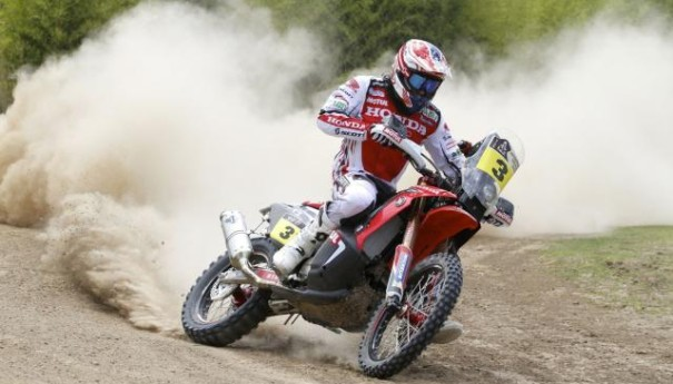 2014-dakar-joan-barreda-bort-and-honda-claim-stage-1-photo-galleryvideo_8