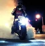 市街地を バイク で ドリフト !!