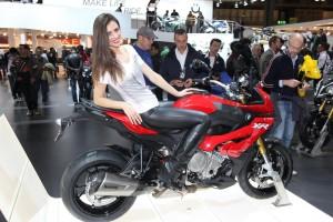 BMW S1000XR メーカー公式映像を公開!!