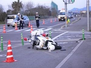 衝撃映像!! 白バイ 同士の 事故映像 。。。