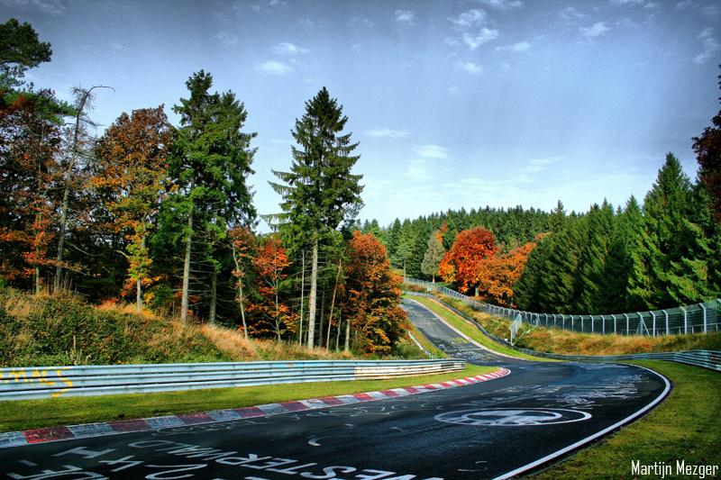 BMW S1000RRストックでニュル7分23秒の映像がすごい!!