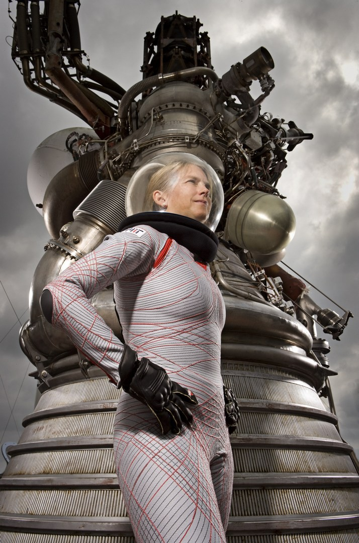dainese-creates-two-space-suits-for-mars-missions_3