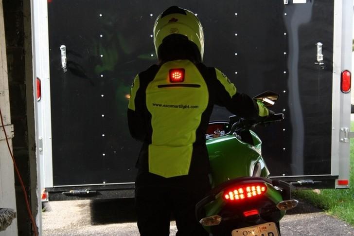 素敵なような惜しいようなスマートバイクウェア。