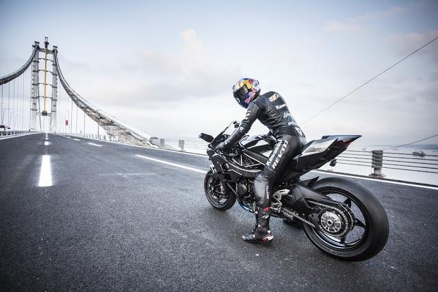 KAWASAKI Ninja H2R 時速400km達成映像がこちら。