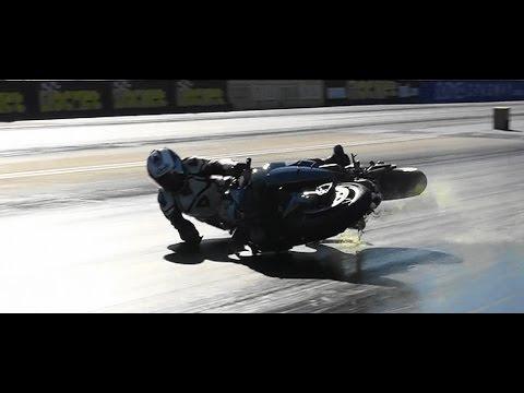 KAWASAKI Ninja H2R ドラッグレースで衝撃転倒映像。