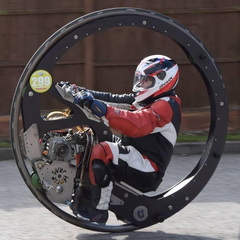一輪車バイクが最高速レコードを更新!!