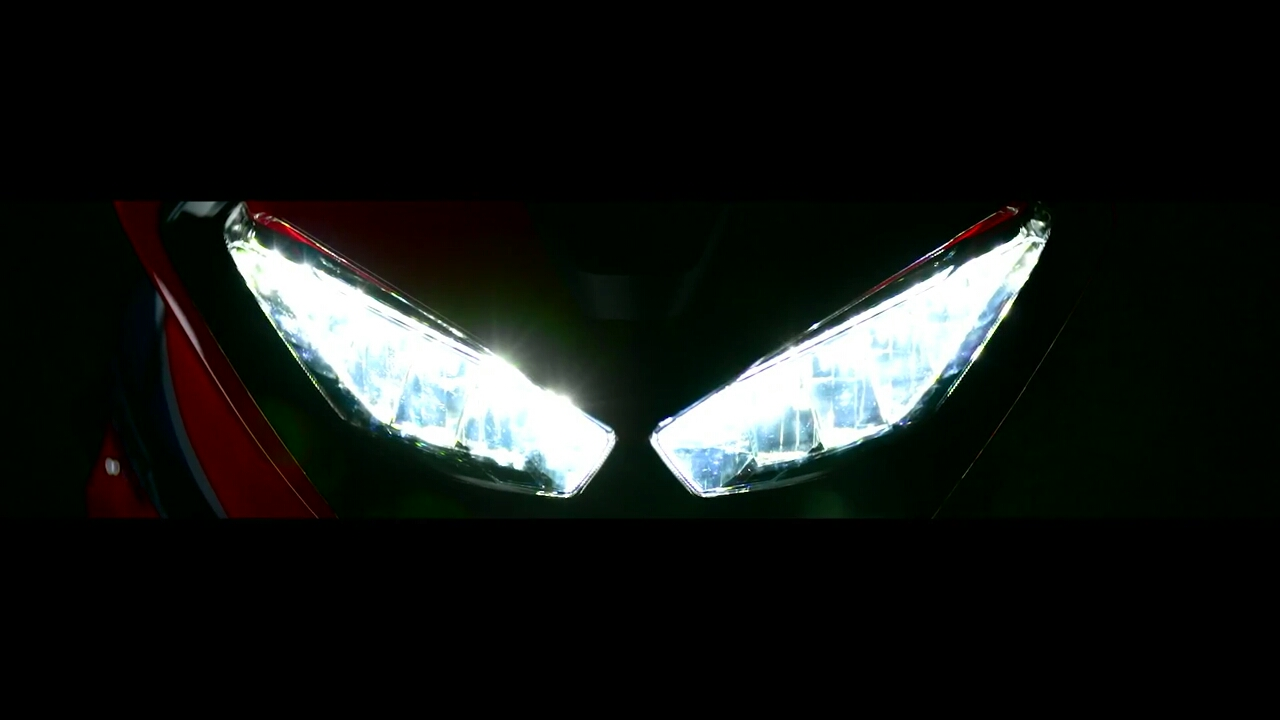 Honda(ホンダ)新型CBR1000RRの顔が公式公開!