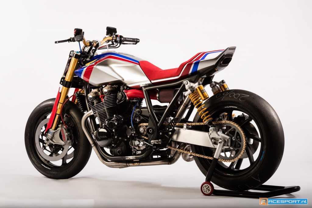Hondaがシモンチェリを悼みCB1100をカスタムするとこーなる!