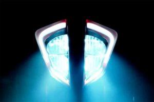 KTM 新顔 ヘッドライトが公開! 新DUKEか!?