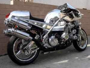 CBXエンジン2つでV12 エンジン バイク 作った人がいます!