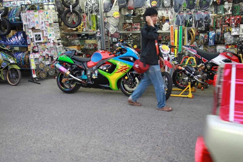タイ バンコクでバイクパーツを買うならプーンサップへ行こう!