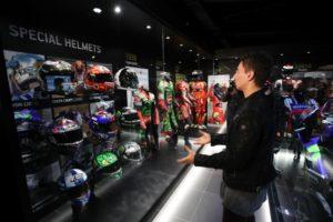 ロレンソがF1とMOTO GPチャンピオンのミュージアムをオープン!