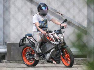 KTM DUKE390を電動化!?