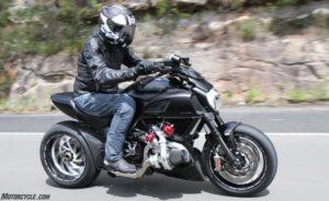 225馬力のDiavel(ディアベル)ターボバイクがすごい!