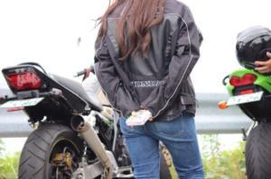 女子ライダー亜梨沙の「バイクに乗り始めたきっかけ」