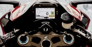 スーパースポーツバイク日独伊「使えて速い?」はどのバイク?