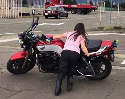 バイク女子 ツーリング アメリカン