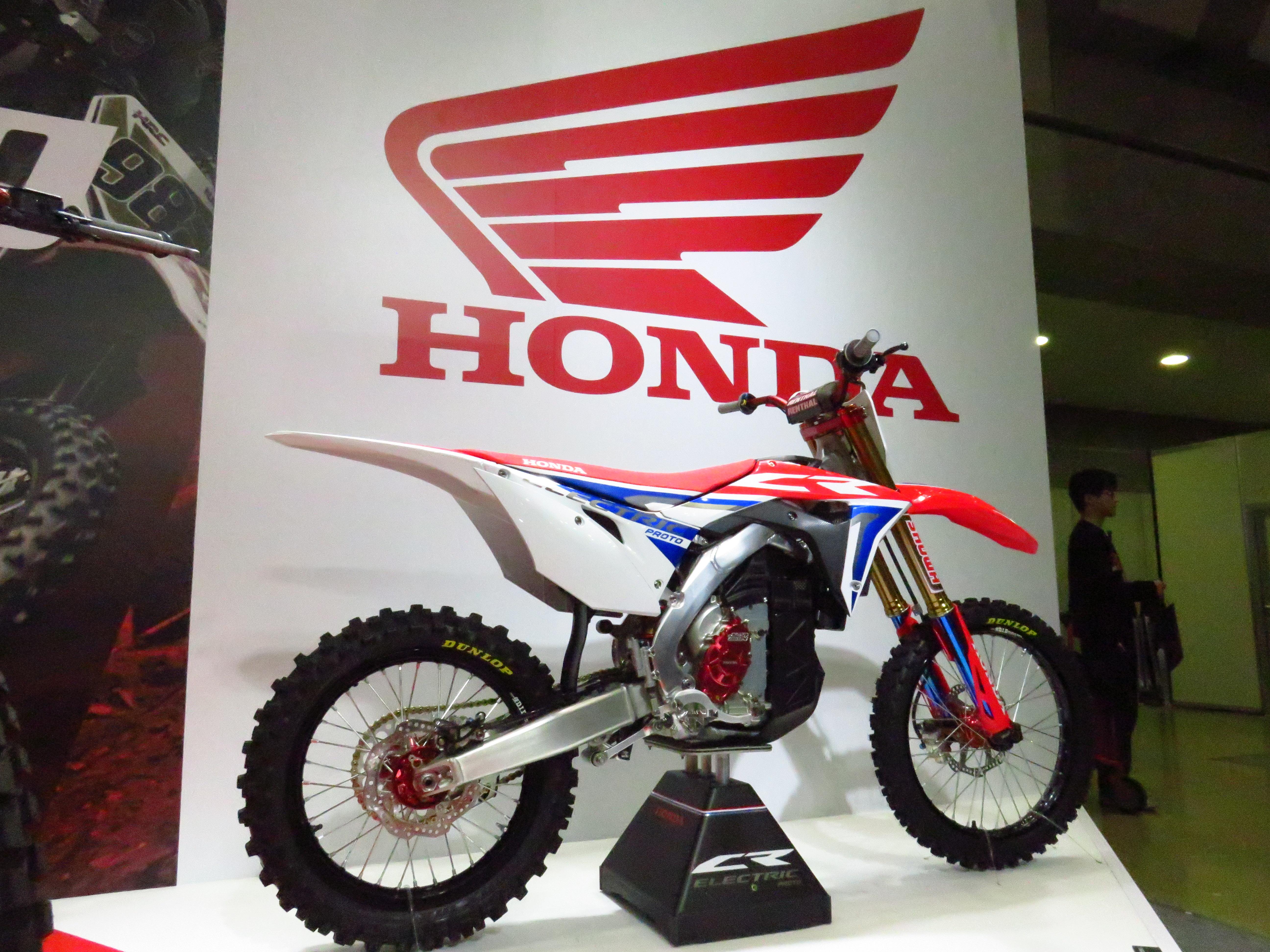 東京モーターサイクルショーでホンダはワールドプレミア2種を発表!