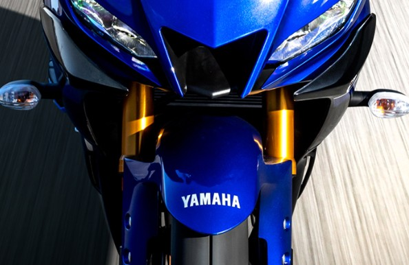待ってたよ!新型YAMAHA YZF-R3 発売時期と価格決定でまもなく登場