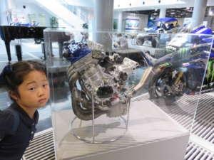 ヤマハで子どもの興味を育てよう!「エンジン分解組立教室」が面白い