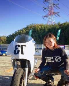 女子レーシングライダー亜梨沙「ミニバイク練習」