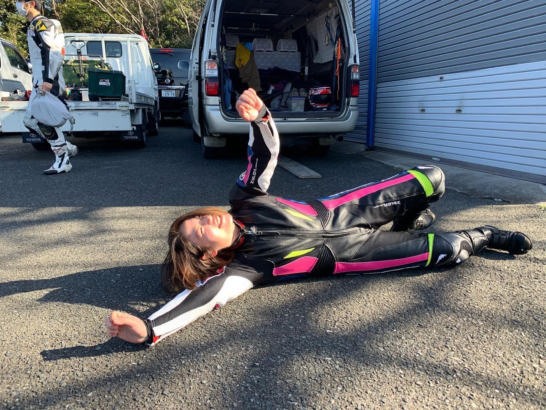 女子レーシングライダー亜梨沙「お題耐久レース」